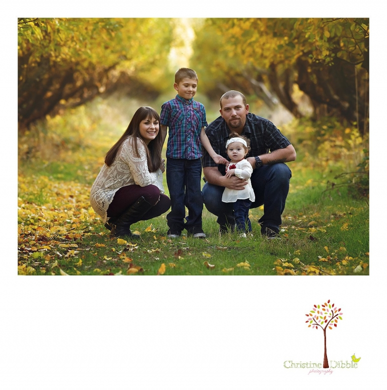 Sonora family photography session photographed by Christine Dibble Photography at Indigeny Reserve in the fall among the apple orchards.