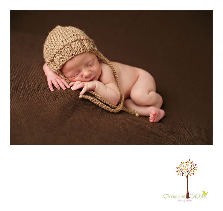 Best Sonora newborn photography by Christine Dibble Photography includes newborn portraits of a baby boy in a knit hat by the Primrose Bunny.