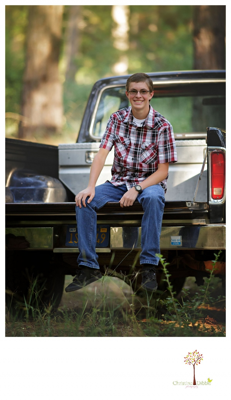 Summerville and Sonora senior portraits taken by Christine Dibble Photography often use truck tailgates as a prop.