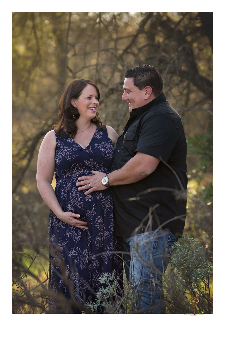 Sonora maternity photographer Christine Dibble Photography photographs a Knights Ferry maternity portrait session.